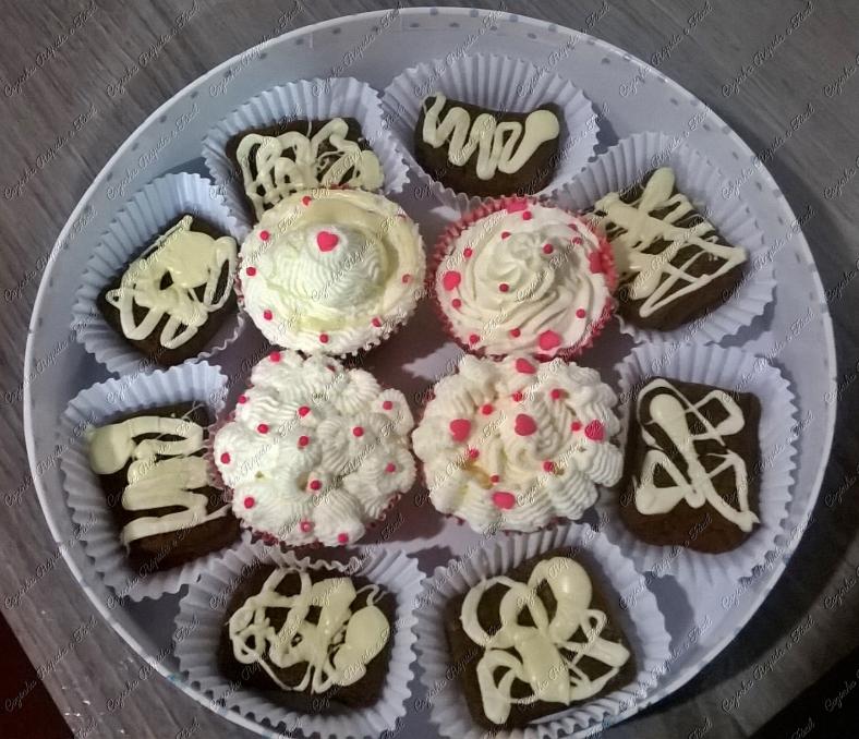 cupcake e bolinho de chocolate